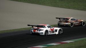Bryson presses Steyn on the final lap.